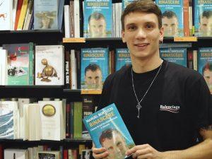 Manuel Bortuzzo presenta il suo libro 'Rinascere'
