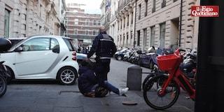Roma, giornalista riprende fermo di un ambulante e viene minacciato e portato in stazione