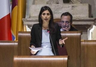 """Rifiuti, Raggi accusa Zingaretti: """"Grazie a lui i romani vedranno nuove discariche vicino alle case"""""""