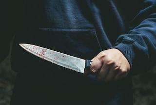 Tentato omicidio al Laurentino, rissa finisce a coltellate: 31enne è grave