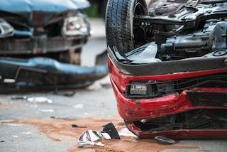 Viterbo, incidente sulla statale 675 Umbro Laziale: macchina si ribalta, cinque feriti