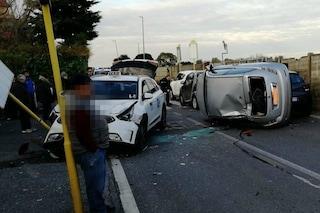 Incidente Massimina, anziano si ribalta con l'auto e si schianta contro 4 vetture: due feriti gravi