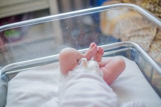 """Roma, partorisce donna positiva al coronavirus: """"Tutto bene, sia lei che il bimbo stanno bene"""""""