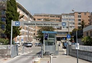 Medico aggredito in ospedale a Latina, parente di un paziente deceduto gli spacca naso e mandibola