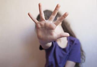Nonno accusato di pedofilia: abusi su 4 nipotini, condannato a 9 anni