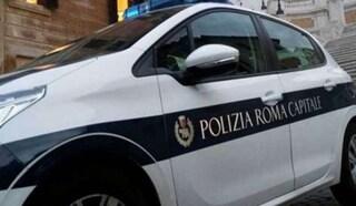 Coronavirus Roma, i vigili urbani con i megafoni chiedono ai cittadini di restare a casa