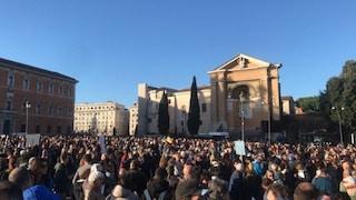 Roma, Sardine lanciano raccolta fondi per manifestazione contro Salvini a piazza Santi Apostoli