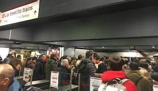 Metro Roma: scale mobili rotte a San Giovanni, caos in stazione