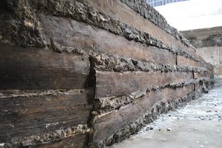 Roma, ritrovate tavole di quercia di età imperiale: hanno resistito intatte per quasi 2000 anni