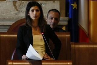 Rifiuti, Virginia Raggi non vuole decidere sulla discarica: Zingaretti è pronto a commisariarla