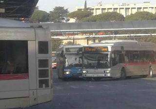 Scontro tra bus Cotral e Atac al capolinea della Laurentina