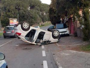 L'incidente in via Perlatura – foto il Caffè