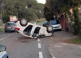 Incidente tra Ariccia e Albano, auto si ribalta: a bordo ragazzi che tornavano a casa da discoteca