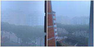 Nebbia a Roma, la capitale si sveglia immersa nelle nubi: visibilità ridotta su GRA e autostrade