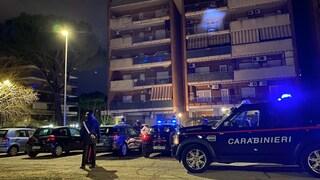 Agguato nella notte a San Basilio, 48enne in fin di vita: è caccia a chi ha sparato