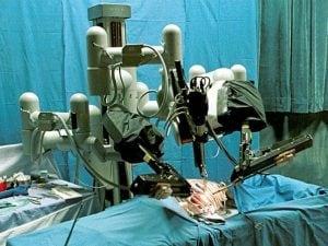 Il robot da Vinci al lavoro (Immagine di repertorio La Presse)