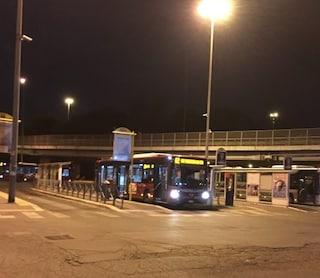 """Stazione Tiburtina, identificato pedone investito da bus: """"Falciato mentre scendeva da marciapiede"""""""