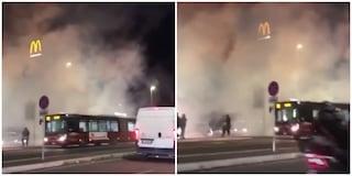 Via Tiburtina: autobus Atac avvolto dal fumo per un guasto