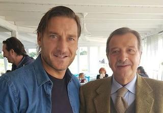 """Pranzo di pesce a Santa Severa per Francesco Totti: """"Parlavamo della cittadinanza onoraria"""""""