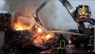Devastante incendio via Casilina, in fiamme capannone industriale della Gemafar a Colleferro