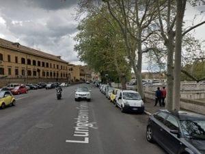 Il Lungotevere della Farnesina di fronte al carcere di Regina Coeli (Foto Google Maps)