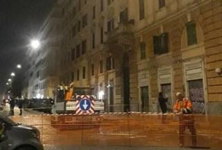"""Sgomberato un palazzo all'Esquilino, evacuate 5 famiglie: """"Mura portanti a rischio"""""""