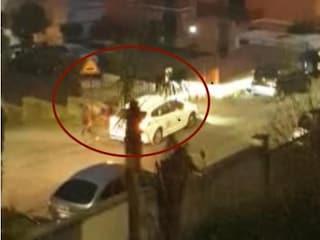 """Roma, tassista aggredito a calci e pugni dai clienti: """"Aiuto, mi rubano il taxi!"""""""