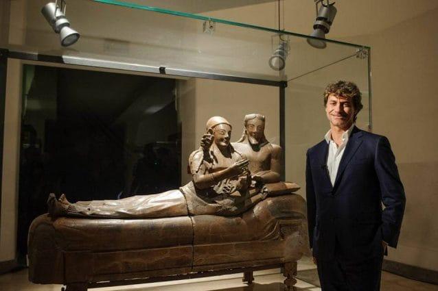 Alberto Angela e il Sarcofago degli Sposi nel Museo nazionale etrusco di Villa Giulia a Roma