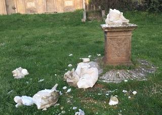Roma, atto vandalico nella notte: completamente distrutte due statue di Villa Pamphilij