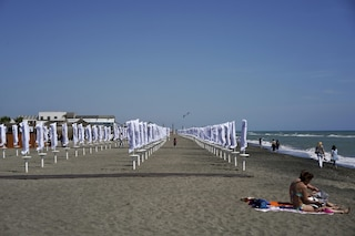 Ecco l'App per verificare se ci sono posti liberi sulle spiagge di Ostia e del litorale romano