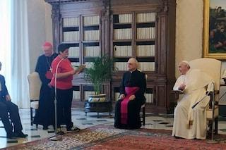 """Barbara, detenuta calciatrice incontra Papa Francesco: """"Posso leggerle una mia poesia?"""""""