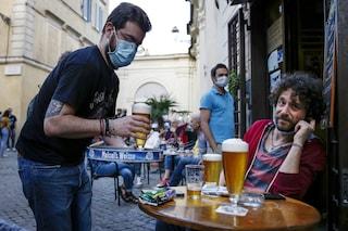 """Occupazione suolo pubblico, Raggi: """"Da lunedì bar e ristoranti potranno aumentare tavolini fuori"""""""