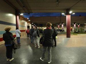 Le file fuori alla metro Anagnina