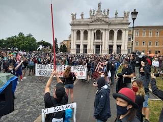 """Lavoratori dello spettacolo in piazza a Roma: """"La riapertura? una truffa"""""""