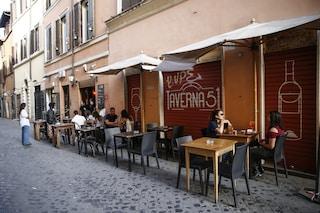 Roma, più tavolini all'aperto per bar e ristoranti: approvata nella notte la delibera
