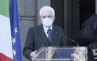 """2 Giugno, Mattarella allo Spallanzani per concerto omaggio alle vittime: """"Grazie per ciò che fate"""""""