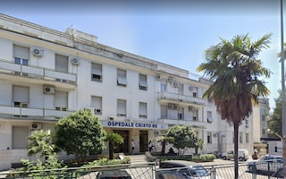 Trovato un uomo morto sul tetto dell'ospedale Cristo Re di Roma