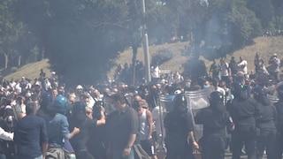 Fascisti al Circo Massimo: scontri tra ultras, estrema destra e Polizia. Otto fermi