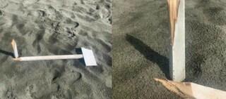 Spiaggia di Ostia vandalizzata: paline distrutte e strumenti da salvataggio rubati