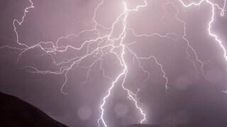 Allerta meteo a Roma, forte ondata di maltempo: temporali e grandine si abbattono sulla Capitale