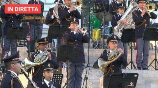 Concerto Roma della banda musicale della Polizia vittime Covid19 Baglioni