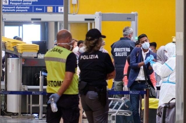 Respinti a Fiumicino cittadini peruviani che avevano fatto scalo a Madrid: rimpatriati stamattina