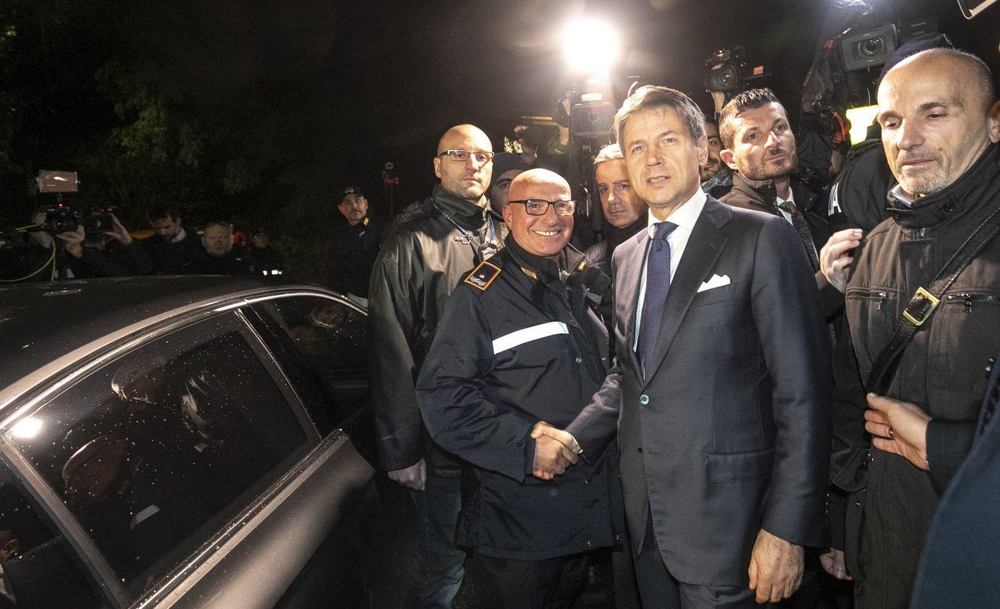 Antonio Di Maggio e Giuseppe Conte dopo il blitz nelle ville dei Casamonica