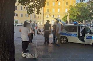 Skateboard pericolosi in centro storico, blitz dei vigili in borghese: segnalati giovani skater
