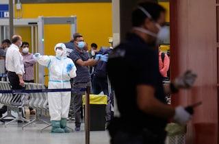 Bengalesi arrivati dal Qatar non sbarcano a Fiumicino: rimandati indietro con lo stesso aereo