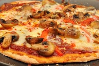 Pizza fatta in casa: la ricetta per averla morbida e soffice