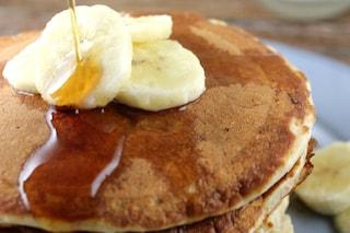 Pancakes alla banana: gustosa e veloce variante delle frittelle americane
