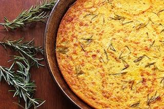 Farinata di ceci: la ricetta originale ligure da fare in casa senza riposo