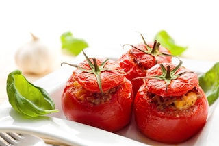 Pomodori ripieni: le ricette migliori e come cucinarli