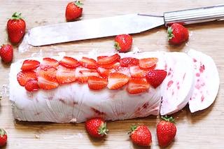 Semifreddo alle fragole: la ricetta del dolce fresco e veloce